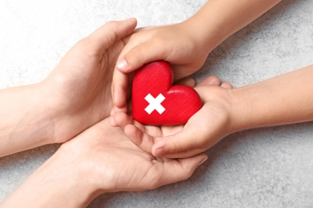 日本赤十字社へ38万枚のマスクを寄付